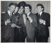 The Searchers with Dionne Warwick in 1964